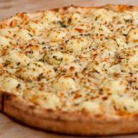Pizza Frango com Catupiri