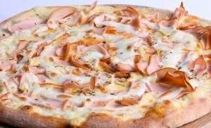 Pizza de Peito de Peru com Catupiri