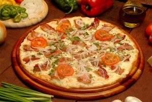 Pizza de Bacon com Cebola